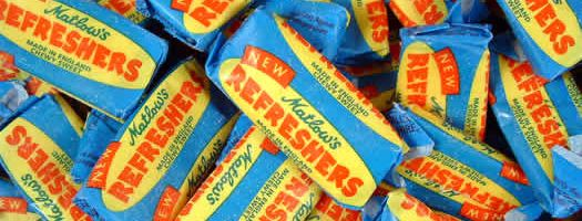 REFRESHERS CHEW,wrapped Chewy   Soft  Fruit  Bars   Wrapped  Lemon  Swizzels Matlow  Chewy & Soft  Bars & Wrapped ,retro sweets,retro sweetshops,liquorice sweets,toffees,toffee sweets,boiled sweets